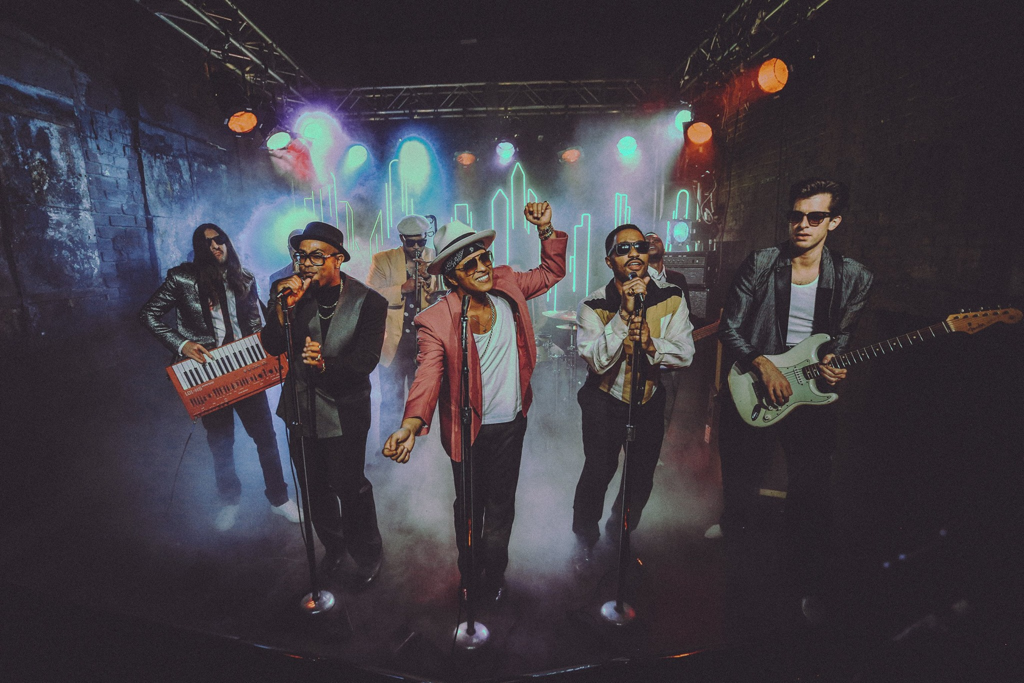 Mark ronson and bruno mars bring us uptown for some funk in their